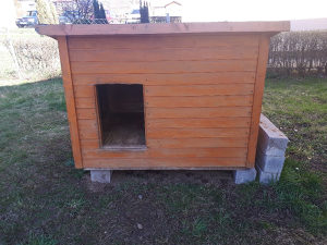 Kućica za pse sa izolacijom