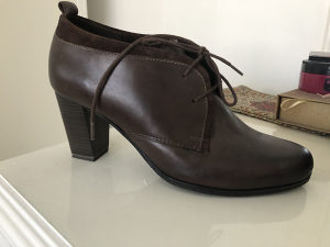Cipele ženske 42