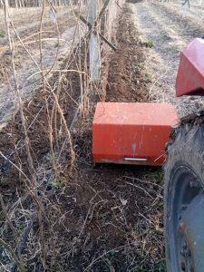 Traktorska bočna freza