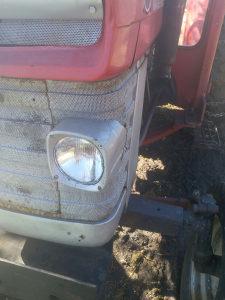 Far za traktor mf 160