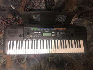 Yamaha klavijatura