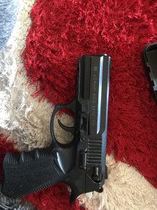 Pištolj zoraki