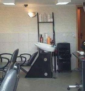 Keramički glavoper sa stolicom salon Ambience