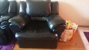 Trosjed dvosjed fotelja