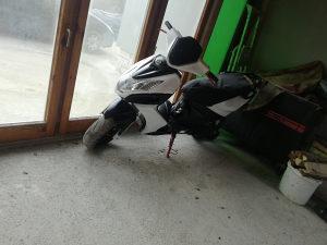 Skuter motocikl