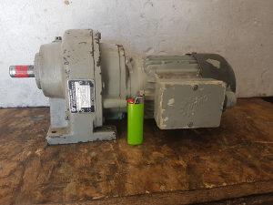 Elektro motor reduktor 5 i 10 obrtaja