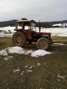 Traktor Internacional 844S