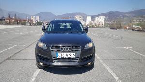 Audi Q7 3.0 TDI tek uvezen i registrovan