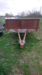Prikolica traktor