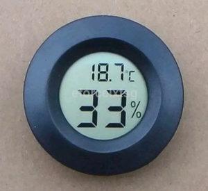 Digitalni termometar i tester vlaznosti(4.5cm precnik)