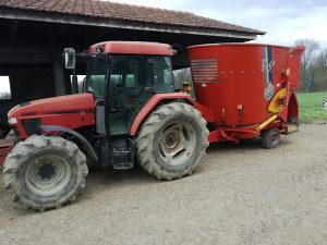 Traktor Case cx80