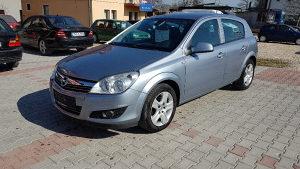 Opel Astra 1.3 CDTi model 2010