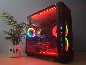 AMD RYZEN 7 2700X / RADEON VII 16GB/X470 / 16GB 3000MHz
