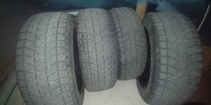 Prodajem 4 zimske gume Bridgeston 225 55 18 za 50 KM