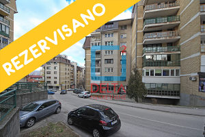 Troiposoban stan površine 84,34 m2, Grbavica / Radnička