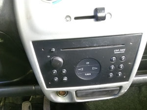 OPEL Agila fabricki CD radio