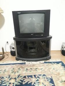 TV 72 cm