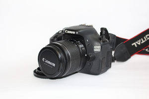 Canon 600D i 18-55 IS II