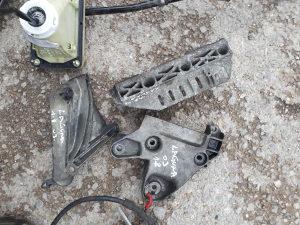 Nosaci motora reno laguna 1.8