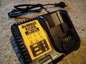 Dewalt punjač 18 volti li ion
