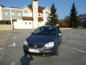 VW GOLF  V 1,9 77KW 2005 TEK UVEZEN