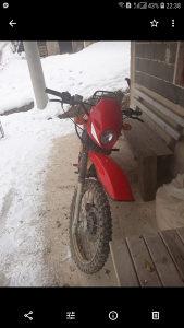 Motocikl enduro 200 ccm