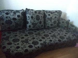 Trosjed kauč