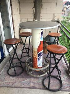 Baraki sto i 4 stolice