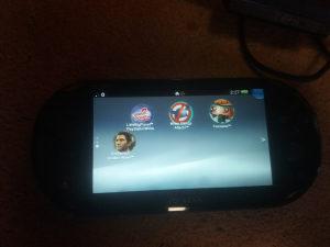 PS Vita sa 4 igrice