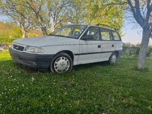 Opel Astra F Karavan STRANAC