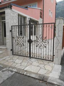 Kovane kapije ograde