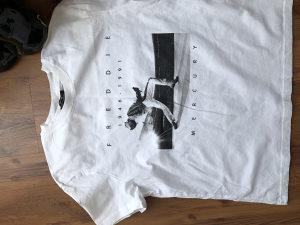 Ženski T-shirt, novi, vel.S (Zara, Bershka..)