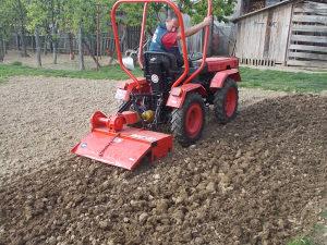 Traktor TOMO VINKOVIC 821 SA FREZOM