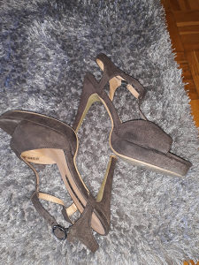 Predobre stikle sandale br.40