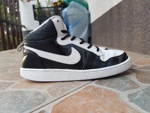 Nike Court Mid broj 39