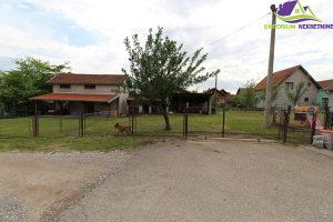 Dvije kuće na placu površine 969 m2. ID: 1125/EN