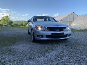 Mercedes-Benz C 220 TOP STANJE-