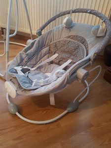 Baby ljuljaska na struju