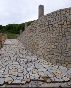 Kamene ploče za zidno i podno lijepljenje i klesani kam