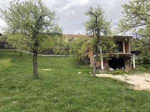 AREA/ Zemljište sa kućom u izgradnji/ Centar/ Kromolj