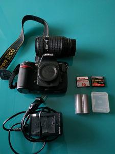 Nikon D300 + 70-210mm + 2kartice + 2 baterije