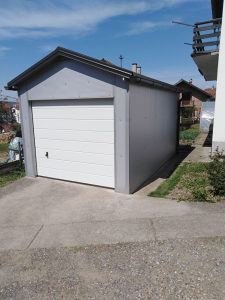 Montažna garaža sa Hormann vratima na daljinski