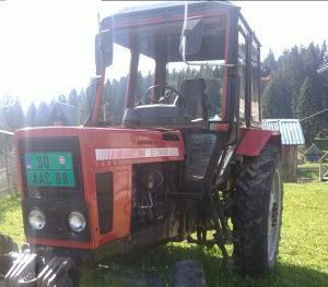 Traktor BELARUS