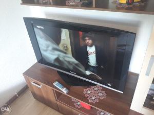 LCD TV PANASONIC 37 INCA EXTRA STANJE ZA 185KM