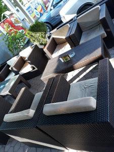 Stolice i stolovi (pletene)