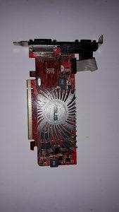 Graficka R5 230 2GB