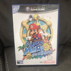 Nintendo Super Mario Sunshine (Kupujem)
