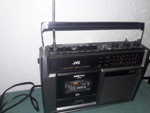 Prenosivi radio kasetofon JVC potpuno ispravan i očuvan