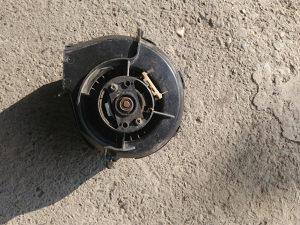 Motorić ventilacije audi 80cc