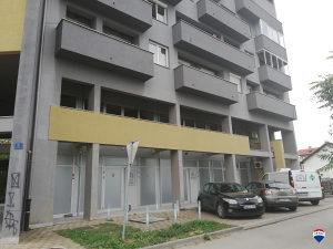 Prodaje se poslovni prostor Srednjoškolskoj ulici